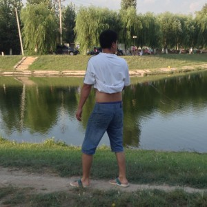 A covert view of the common Beijing Belly.  Science or decorum?