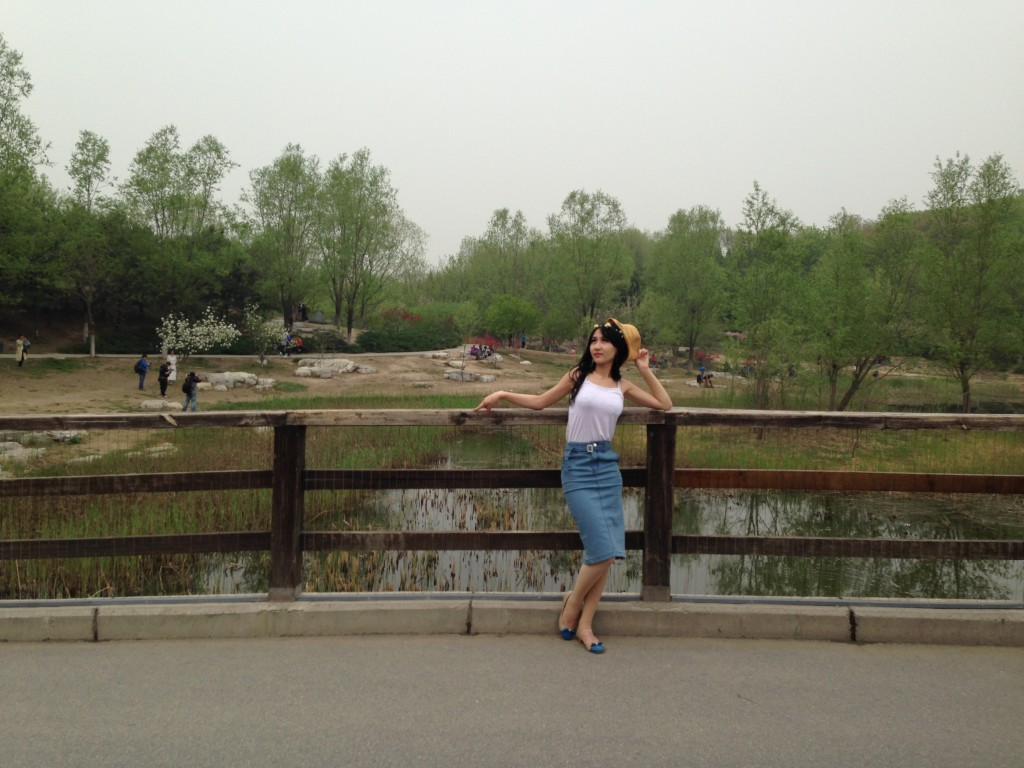 At every Beijing park you are sure to see an army of photographers doing photo shoots for advertisements and weddings.
